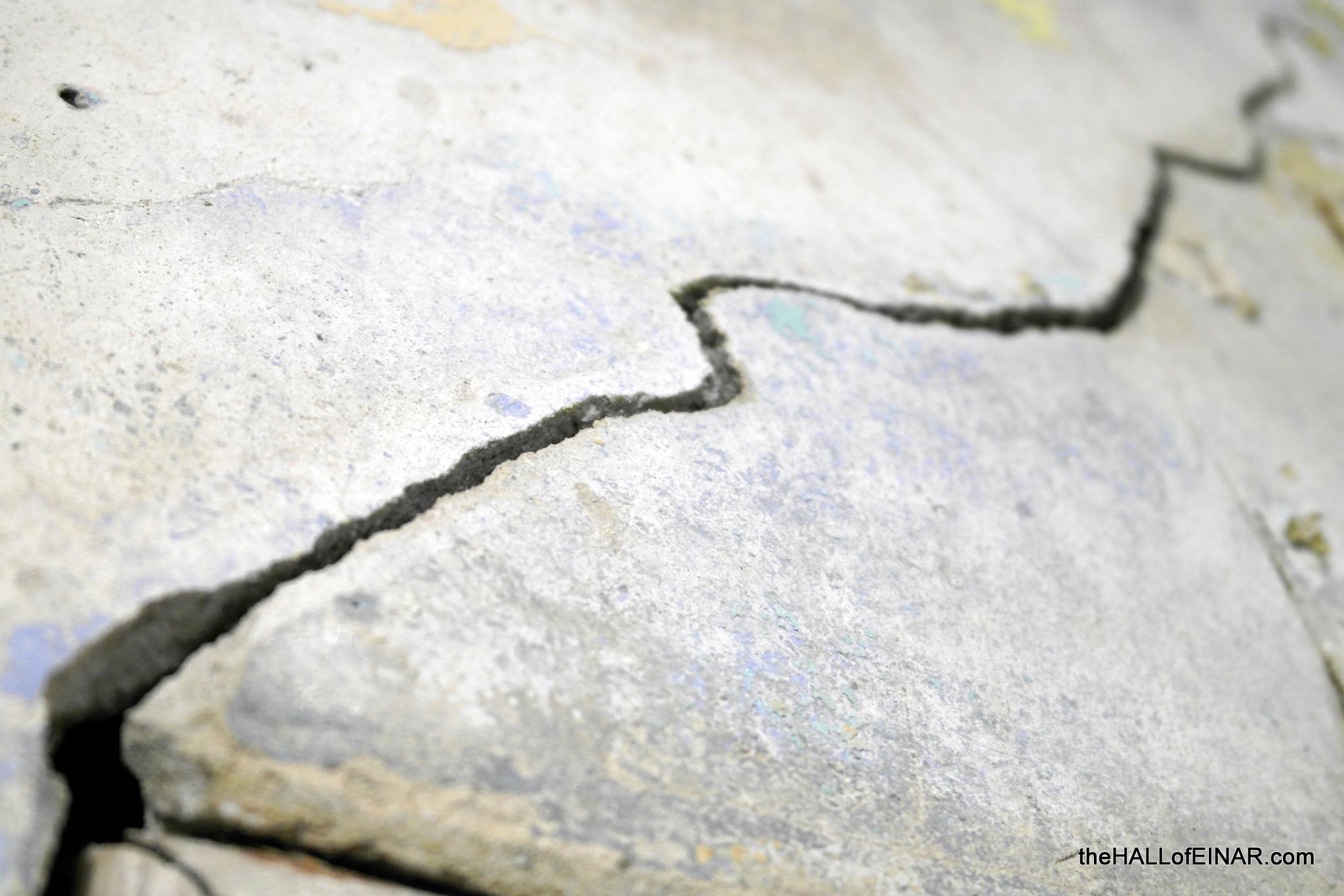 The crack in the wall - photograph (c) David Bailey (not the) - The Hall of Einar