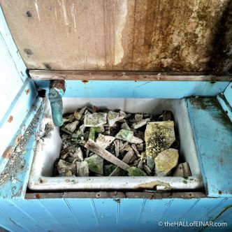Baby Butler Sink - The Hall of Einar - photograph (c) 2016 David Bailey (not the)
