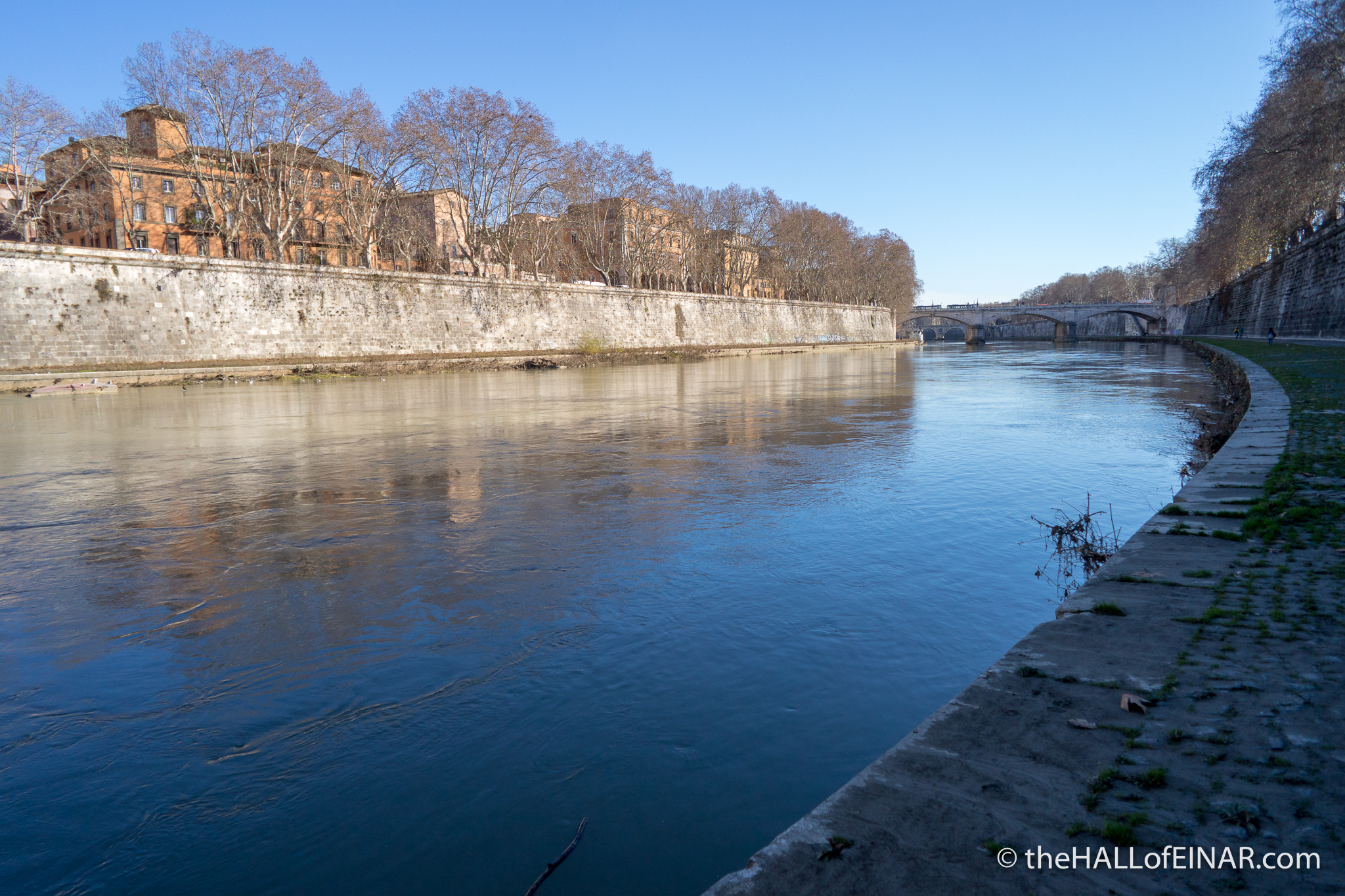 Lungotevere - The Hall of Einar - photograph (c) David Bailey (not the)