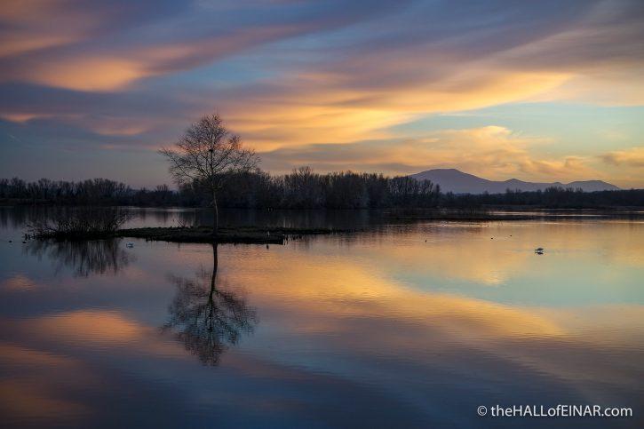 Lago di Alviano - The Hall of Einar - photograph (c) David Bailey (not the)