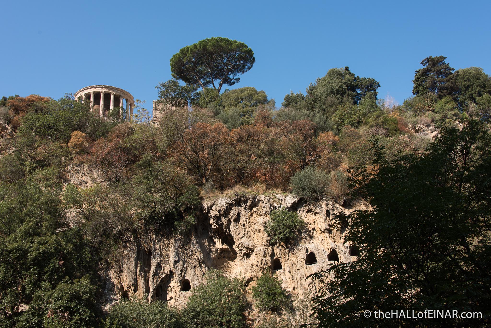 Tempio di Vesta, Tivoli - The Hall of Einar - photograph (c) David Bailey (not the)